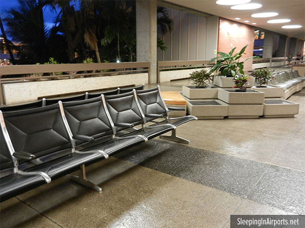 Worst Airports of 2015: Honolulu Airport